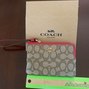 Coach wristlet new with tag